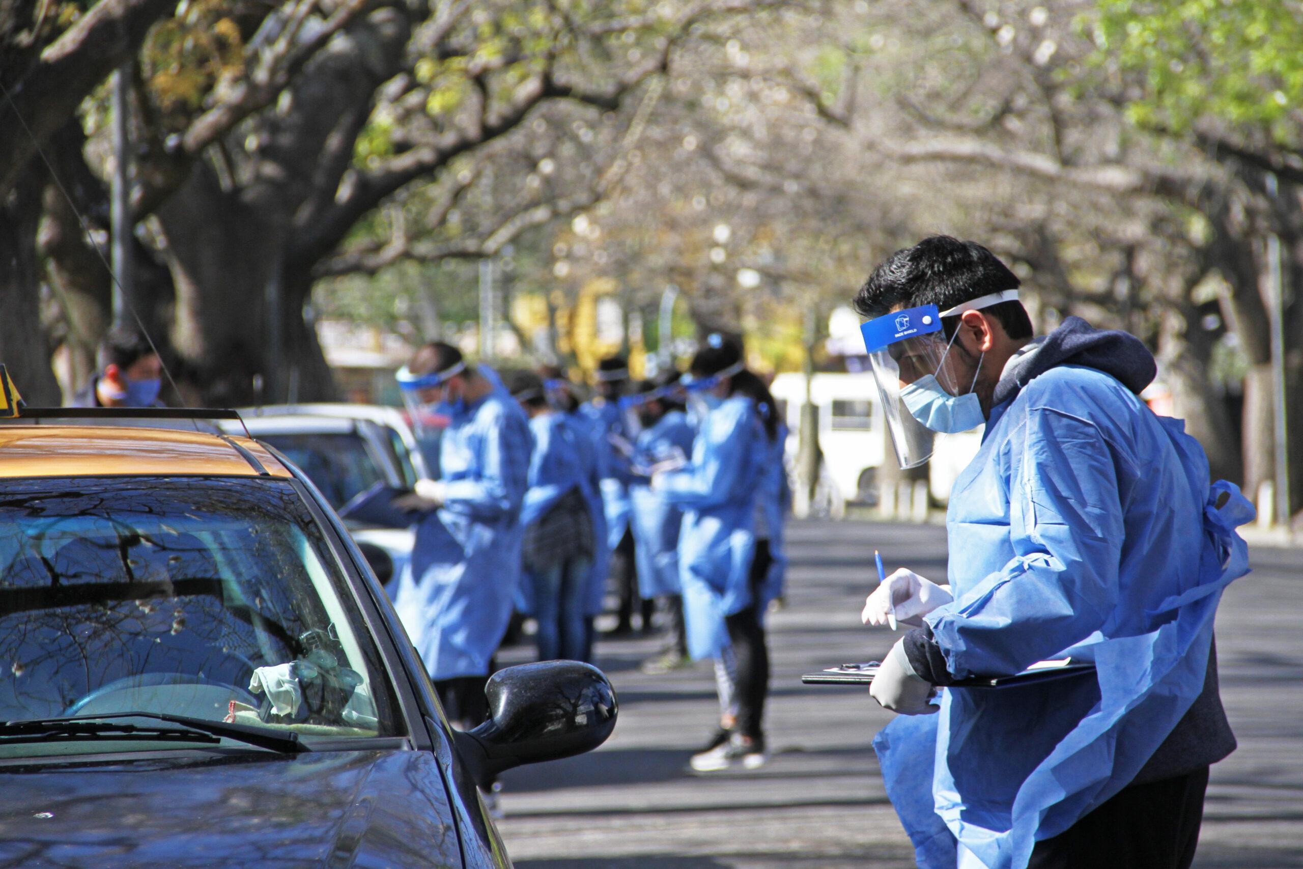Este jueves confirmaron 438 muertes y 16.325 contagios en Argentina