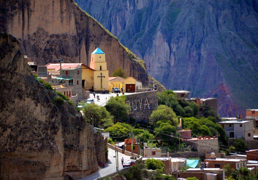 Iruya un pueblo al borde de la montaña