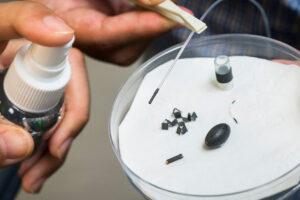 Un aerosol que convierte materiales inanimados en máquinas móviles