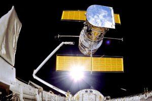 Primeras imágenes del Hubble reiniciado: Astrónomos observan galaxias extrañas