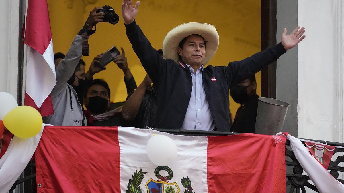 Perú: Keiko Fujimori aceptó el resultado del balotaje y Pedro Castillo será Presidente